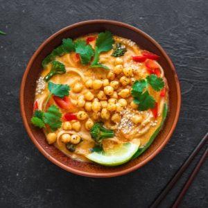 Malesialainen Laksa-keitto
